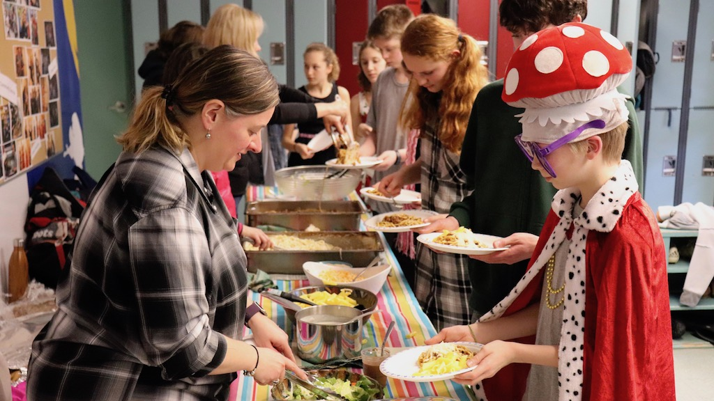 The House Lunch Tradition – Tasty Fun with a Side of Responsibility and Service at IPS Middle School